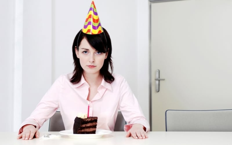 picture of a woman celebrating alone without her narcissistic husband